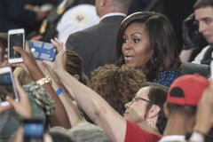 PA: Presidentsvrouw Michelle Obama voor Hillary Clinton in Philadelphia Royalty-vrije Stock Foto