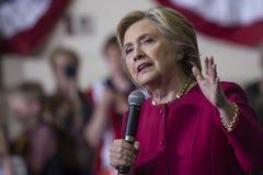PA : Secrétaire Hillary Clinton Campaigns Rally à Harrisburg Photos stock