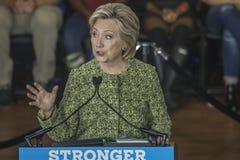 PA : Secrétaire Hillary Clinton Campaigns Rally à Philadelphie Image libre de droits