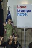 PA : Secrétaire Hillary Clinton Campaigns Rally à Philadelphie Photographie stock libre de droits