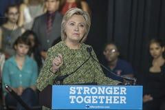 PA : Secrétaire Hillary Clinton Campaigns Rally à Philadelphie Images libres de droits