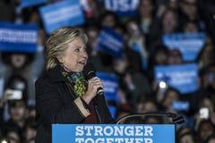 PA : Secrétaire Hillary Clinton et sénateur Tim Kaine Campaign Rally à Philadelphie Images stock