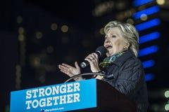 PA : Secrétaire Hillary Clinton et sénateur Tim Kaine Campaign Rally à Philadelphie Image libre de droits