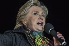 PA: Secretário Hillary Clinton & senador Tim Kaine Campaign Rally em Philadelphfia fotos de stock royalty free