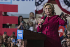 PA: Secretaresse Hillary Clinton Campaigns Rally in Harrisburg Stock Fotografie