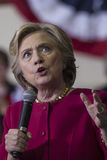 PA: Secretaresse Hillary Clinton Campaigns Rally in Harrisburg Stock Afbeeldingen