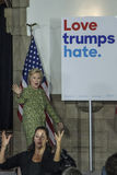 PA: Secretaresse Hillary Clinton Campaigns Rally in Philadelphia Royalty-vrije Stock Fotografie