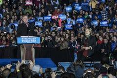 PA: Secretaresse Hillary Clinton & Senator Tim Kaine Campaign Rally in Philadelphia Stock Afbeeldingen