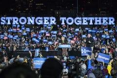 PA: Secretaresse Hillary Clinton & Senator Tim Kaine Campaign Rally in Philadelphia Stock Foto's