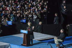 PA: Secretaresse Hillary Clinton & Senator Tim Kaine Campaign Rally in Philadelphia Royalty-vrije Stock Foto