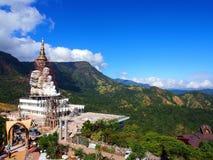 PA-sonKaew tempel, Kao Kho, Petchaboon, Thailand Royaltyfri Foto