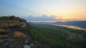PA Tam National Park på soluppgång i Ubon Arkivfoto