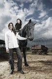 Paar bij boerderij Royalty-vrije Stock Afbeelding