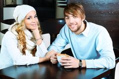 Paar bij caffee royalty-vrije stock fotografie