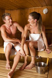 Paar binnen in sauna Royalty-vrije Stock Foto