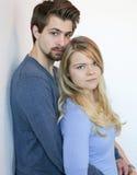 Paar in blauw Stock Foto's
