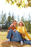 Paar buiten Royalty-vrije Stock Fotografie