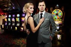 Paar in casino royalty-vrije stock foto