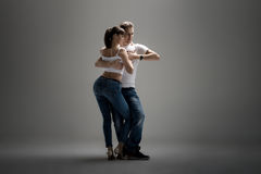 Paar dansende sociale danse royalty-vrije stock afbeeldingen