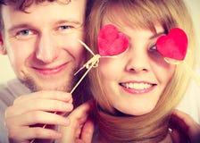 Paar dat door hun liefde wordt verblind Royalty-vrije Stock Foto
