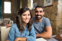 Paar dat Lunch heeft royalty-vrije stock foto's