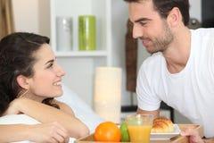Paar dat ontbijt heeft Stock Afbeeldingen