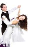 Paar dat over wit danst Royalty-vrije Stock Afbeeldingen
