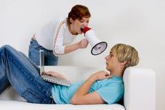 Paar dat probeert te communiceren Royalty-vrije Stock Fotografie