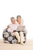 Paar dat thuis ontspant Royalty-vrije Stock Foto