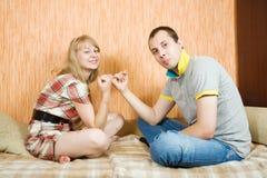 Paar dat verzoening heeft royalty-vrije stock foto