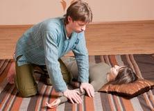 Paar dat yoga doet. Massage Royalty-vrije Stock Foto's