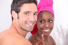 Paar in de badkamers Royalty-vrije Stock Afbeeldingen