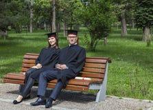 Paar in de Graduatiedag Stock Afbeelding