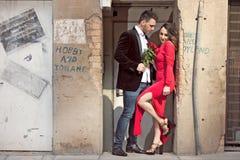 Paar in de stad Stock Foto
