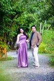 Paar in de tuin Royalty-vrije Stock Foto's
