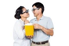 Paar die op een 3D film letten Stock Afbeelding