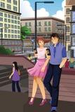 Paar die op Hun Telefoons in de Stad controleren vector illustratie