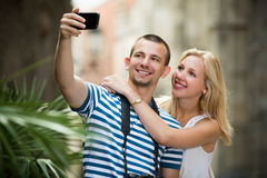 Paar die selfie op vakantie nemen royalty-vrije stock foto