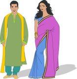 Paar die traditionele kleren dragen Stock Foto's