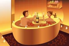 Paar die van een romantisch bad genieten Stock Foto's