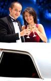 Paar in een limousine Stock Fotografie