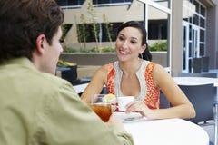 Paar in een Restaurant Stock Fotografie