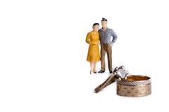 Paar en trouwringen Stock Afbeelding
