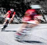 Paar fietsers in een ras Stock Foto's