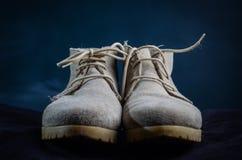Paar gebruikte schoenen Royalty-vrije Stock Afbeeldingen