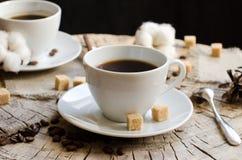Paar höhlt Kaffeestumpf stockbilder