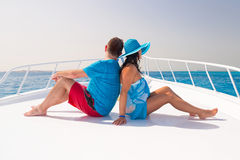 Paar het ontspannen op de cruise Royalty-vrije Stock Foto