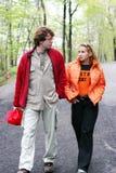 Paar in het park royalty-vrije stock fotografie