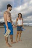 Paar in het Zand Stock Foto