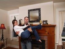 Paar in hun nieuw huis Royalty-vrije Stock Afbeeldingen